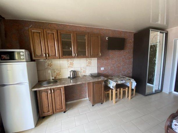Семейный-люкс №37, база отдыха «Гостиный двор», Кирилловка. Фото 5