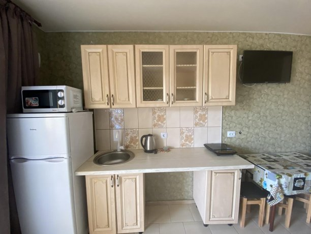 Семейный-люкс №38, база отдыха «Гостиный двор», Кирилловка. Фото 3