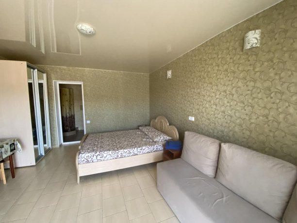 Семейный-люкс №38, база отдыха «Гостиный двор», Кирилловка. Фото 4