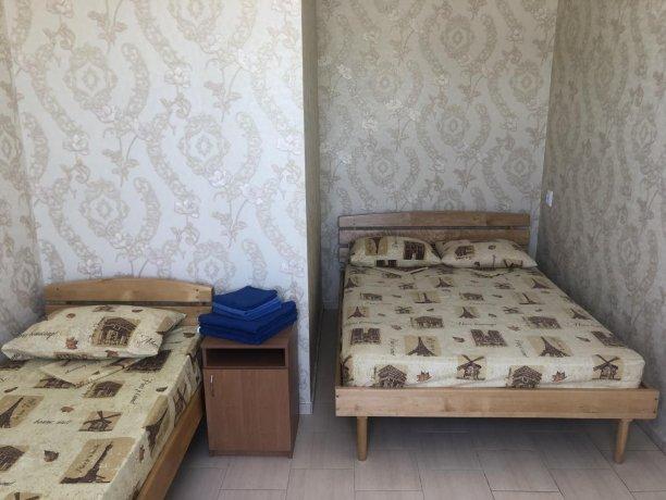 Люкс №56 (2 ком.), база отдыха «Гостиный двор», Кирилловка. Фото 4