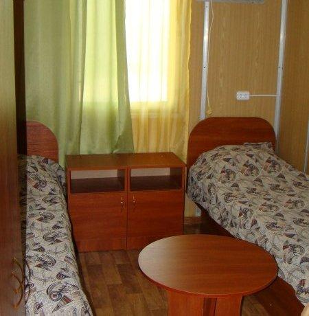 Эконом №7, база отдыха «Елена», Кирилловка. Фото 1