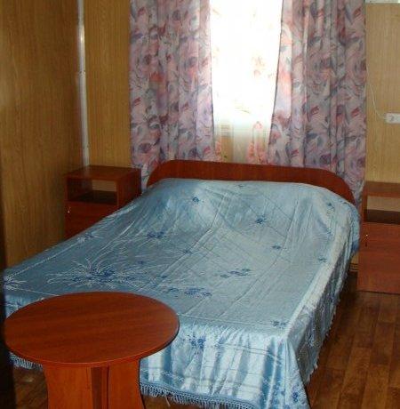 Эконом №11, база отдыха «Елена», Кирилловка. Фото 1