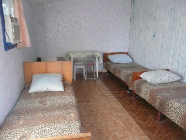 Студия Домик №8, база отдыха «Орион», Кирилловка. Фото 1