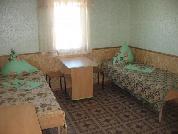 Люкс №17, база отдыха «Таврия», Кирилловка. Фото 1